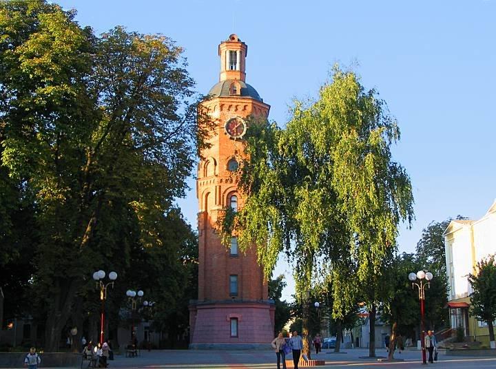 В пешеходной зоне Винницы, на улице Козицкого, 20, находится еще одна визитная карточка города - водонапорная башня.