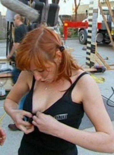 Порно фото Кэри Байрон из Разрушители легенд.