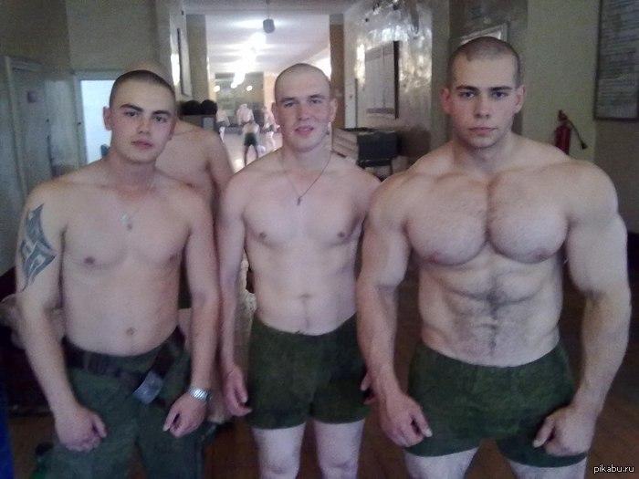 Мне мой парень рассказывал, что в армии солдатам в еду специально в еду сте