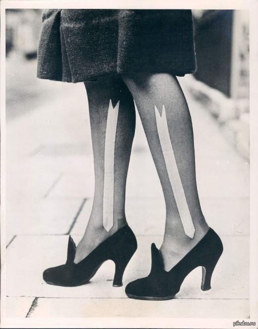 Ретро секретарши в корсетах и чулках 60 и 70 годов 11 фотография