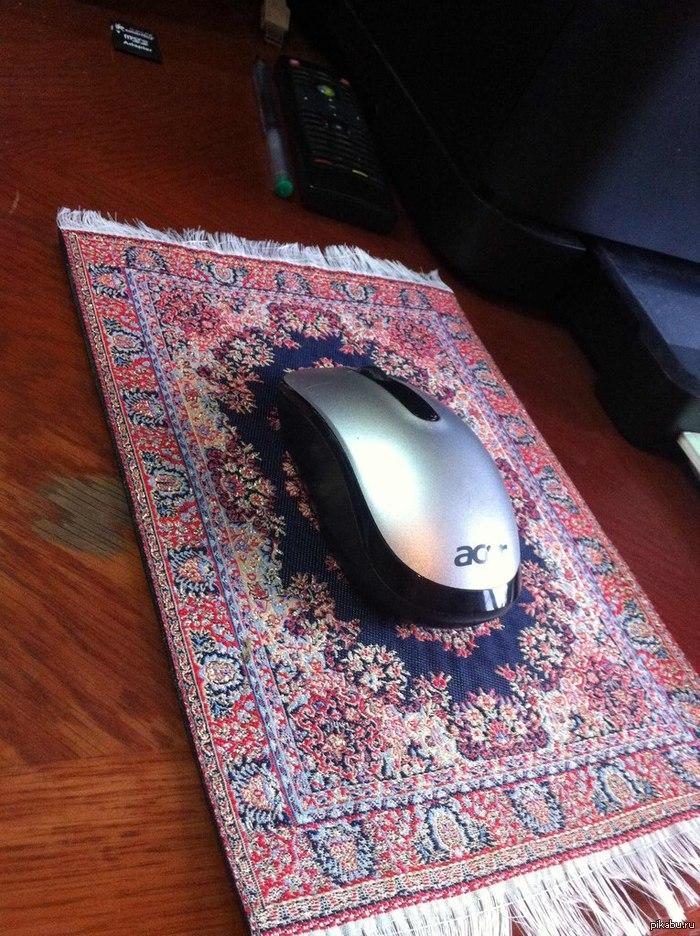 Коврик. Вот такой вот необычный коврик для мыши подарил мне мой друг. Интересное
