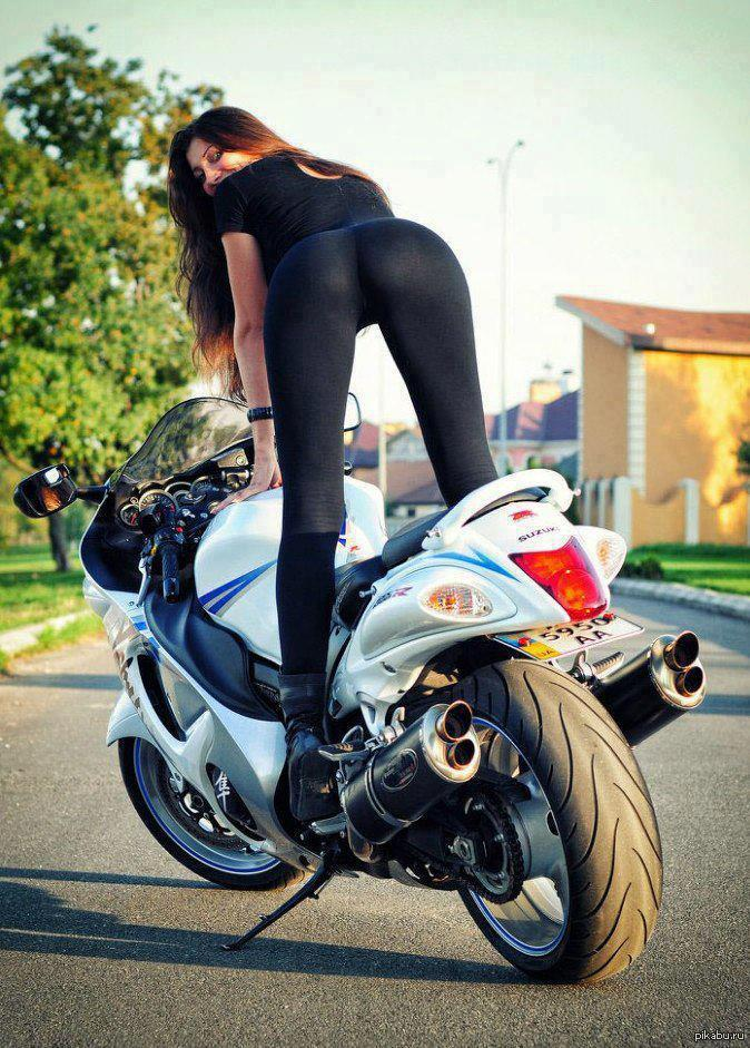 фото девушек раком на мотоциклах