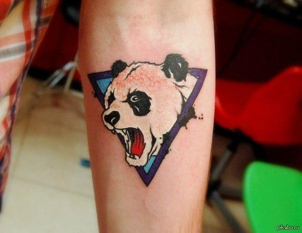 Что означает татуировка панда
