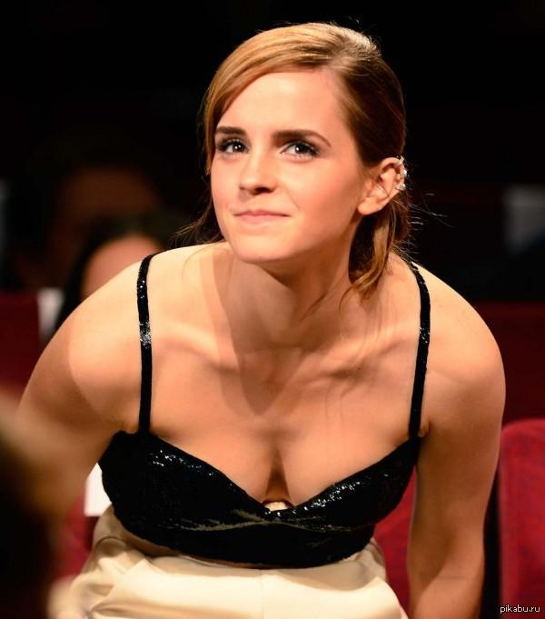 Насчет Эммы Уотсон Кто там говорил что у нее груди нет? логика, Пикабу, Эмм