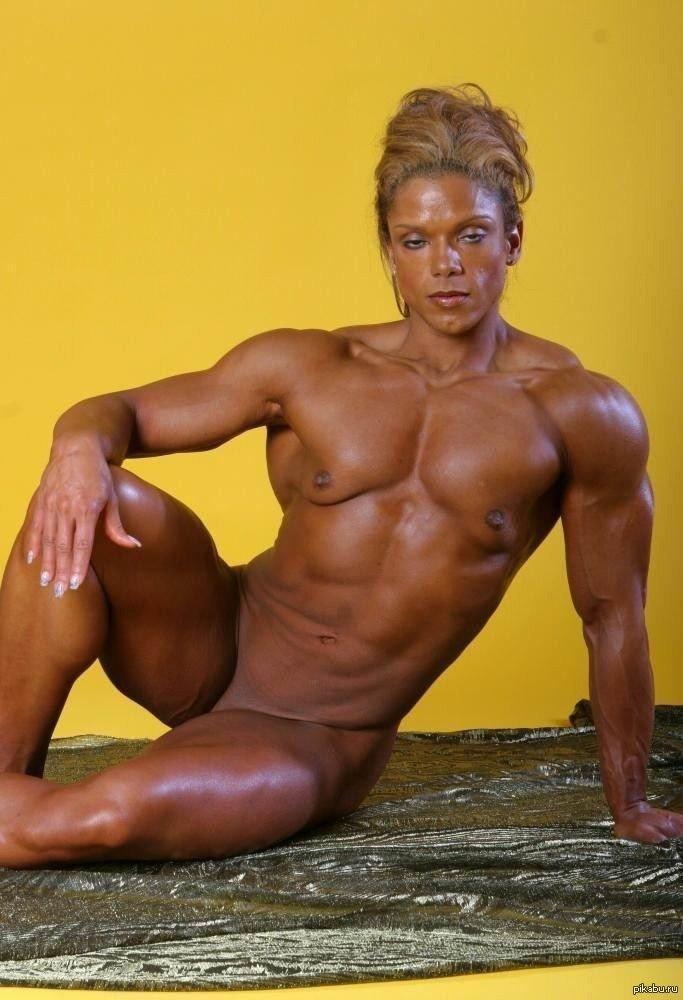 muskulistie-i-silnie-golie