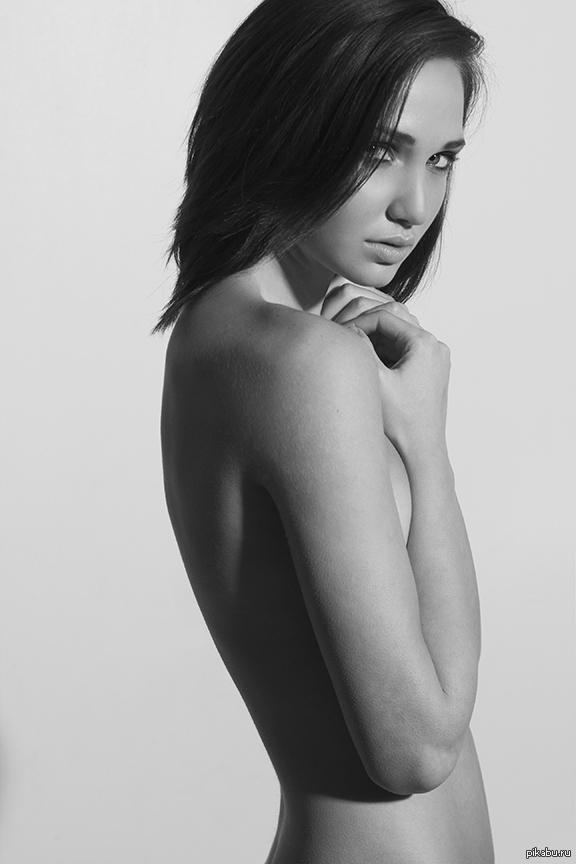 Мурашки красивая девушка, девушки, голая, клубничка, мурашки.