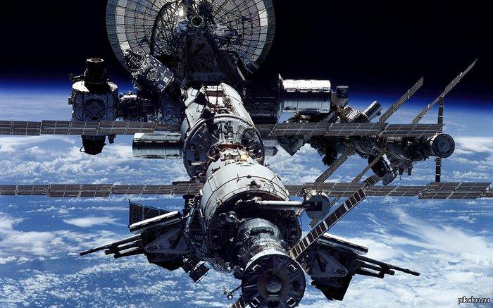 В открытом космосе прямая трансляция
