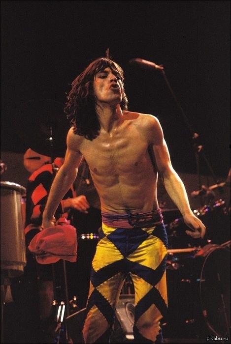 Сегодня 70лет вечно молодому Мику Джаггеру(The Rolling Stones)!Спасибо за вдохновение,эмоции и историю вечно живой музыки,длиною в пол века (рада, как будто день рождения у меня)