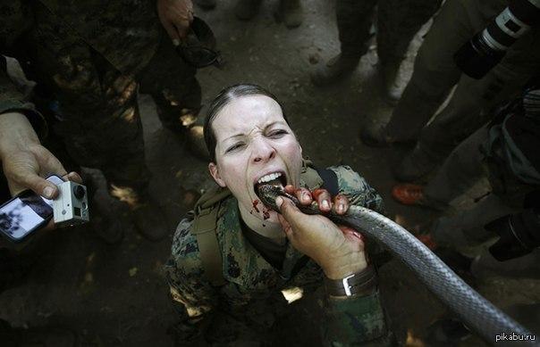 Порно фото девушек в армии