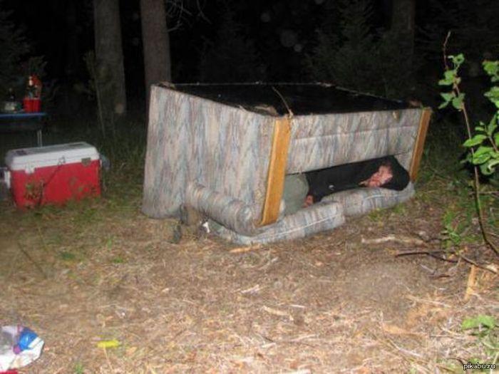 Пьяная тетка в лесу показала за деньги 28 фотография