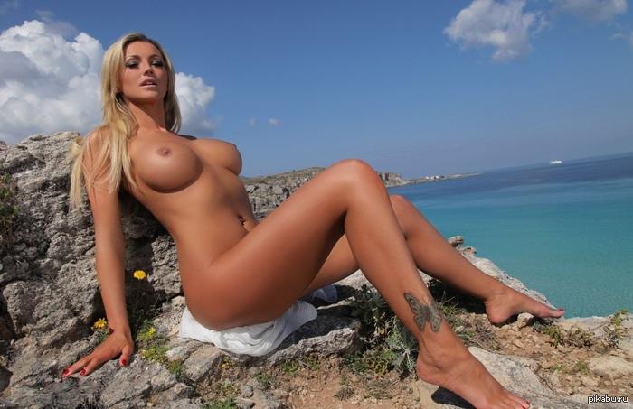 голая красавица блондинка фото