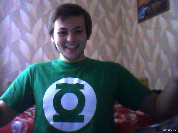 Теперь я Зеленый фонарь! Подарок девушки) Довольный, как слон) Всем таких милых и заботливых половинок и добра!:)