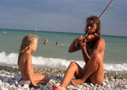 Скрытая камера на нудитском пляже сын совокупляется с матерью