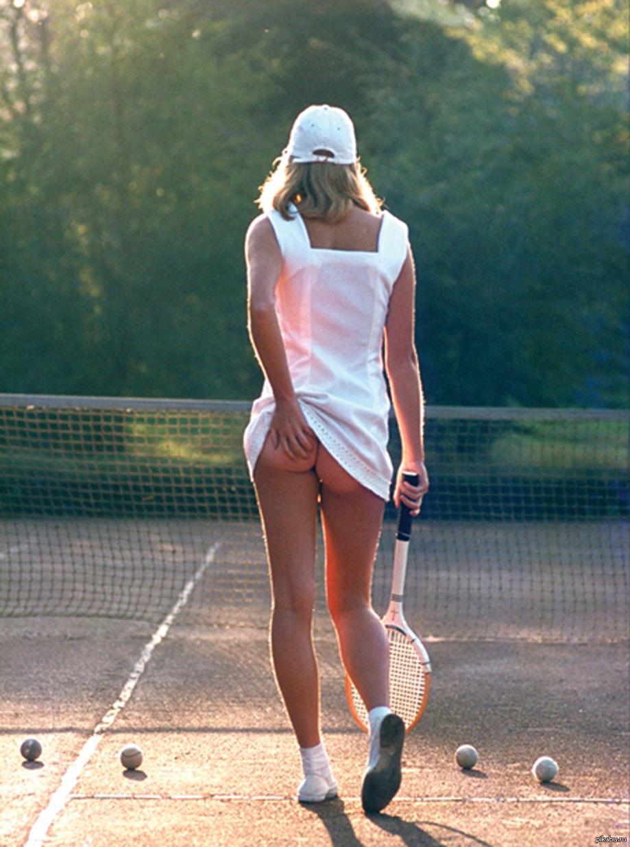 Лучшие засветы под юбкой (50 фото) - Эротические фото засветы