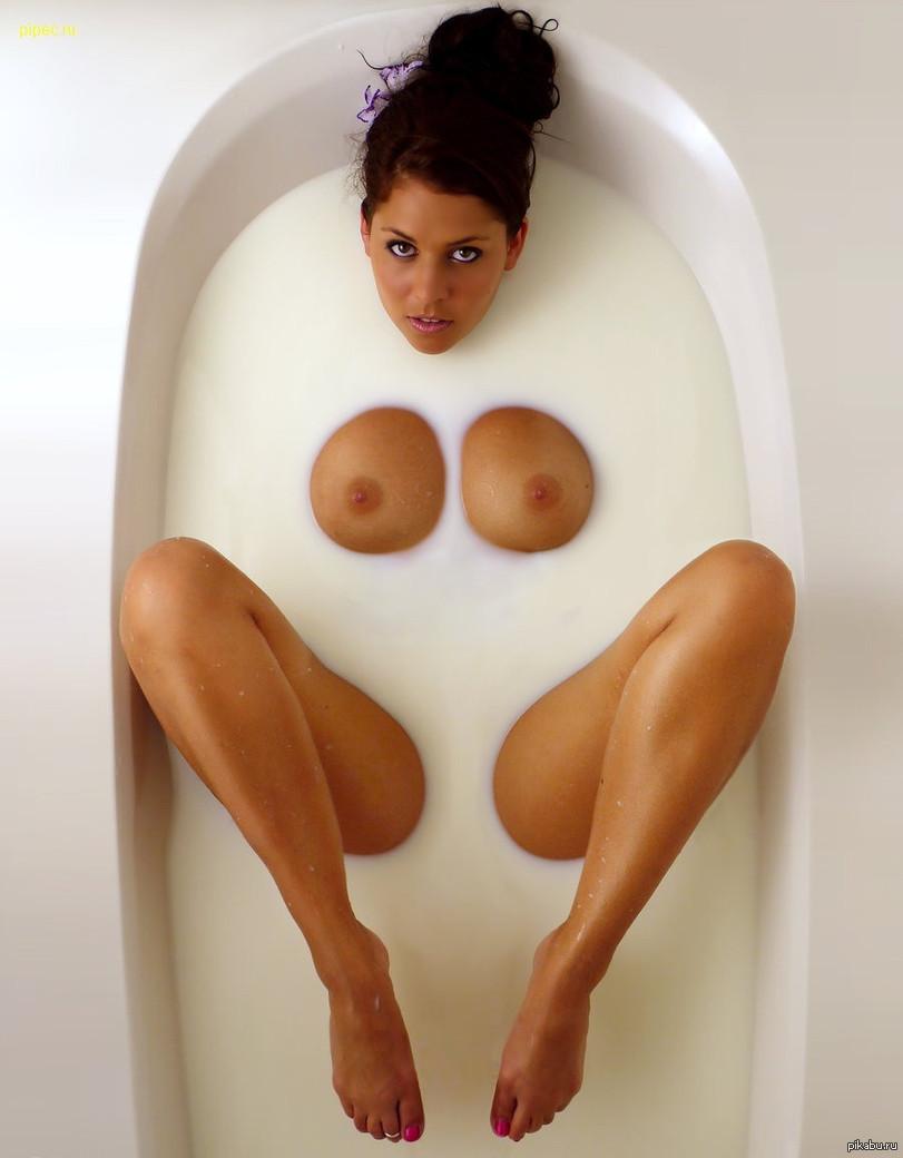 с молоком в сиськах