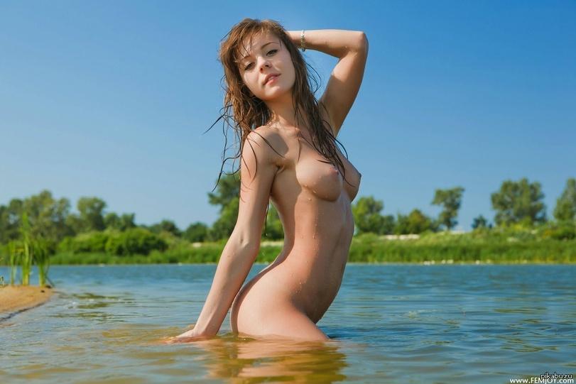 сиськи в воде фото