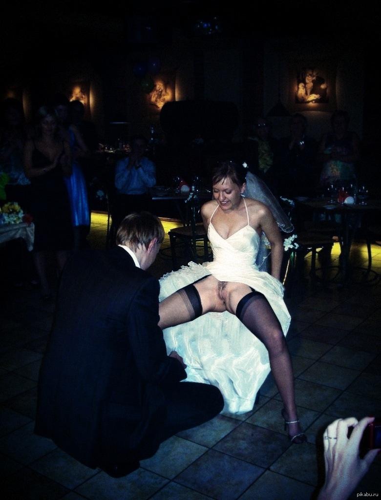 Пьяные и голые невесты 18 фотография