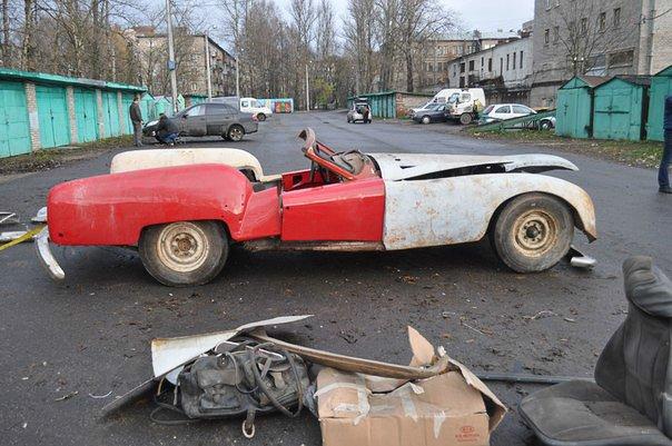 http://s.pikabu.ru/images/big_size_comm/2013-11_4/13846129211459.jpg